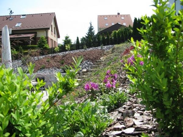 Návrhy a realizace zahrad, býsadby