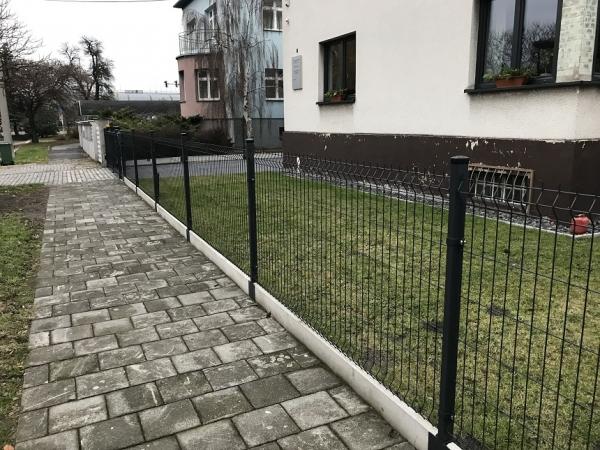 Zámkové dlažby, ploty a brány
